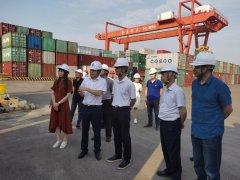 柳钢集团党委书记、董事长潘世庆一行到贵港码头调研